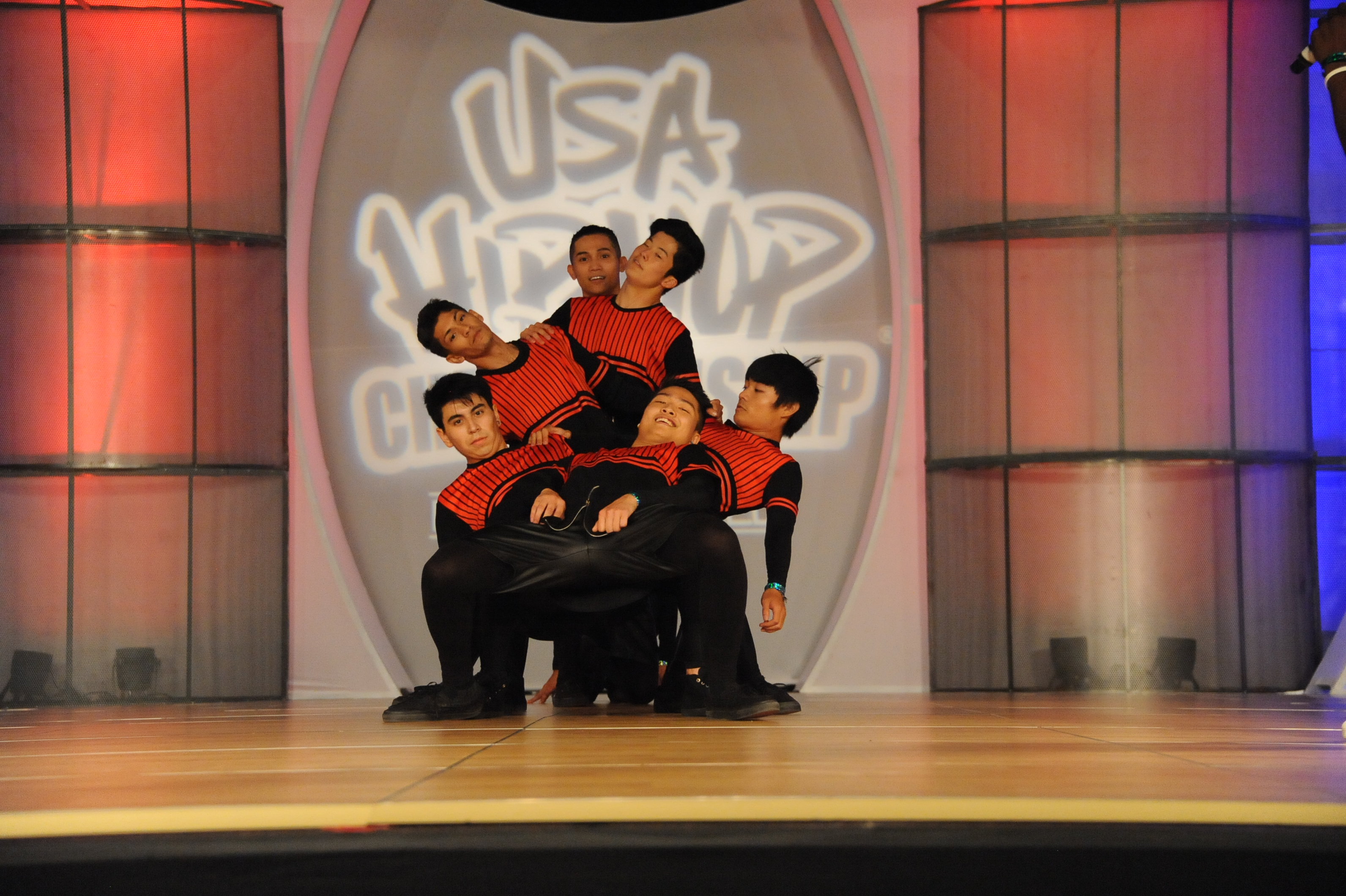 USA_A_Mandriodz Dance Crew_grp1