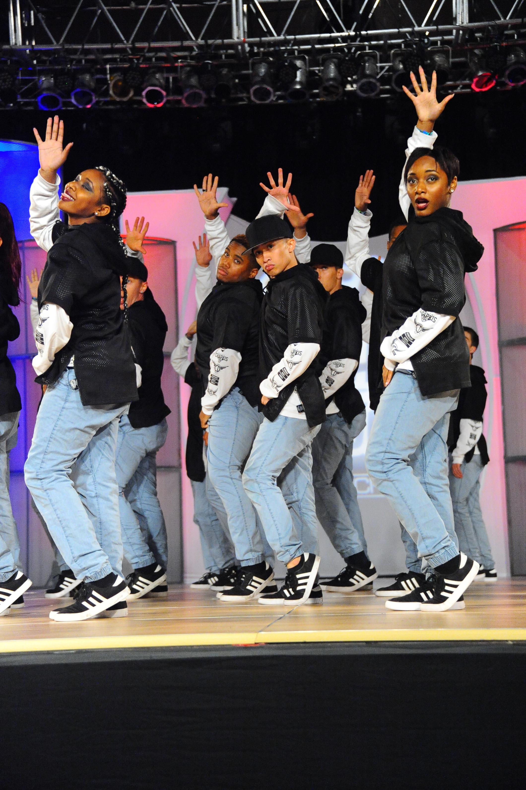 USA_MC_Chapkis Dance Fam_grp2
