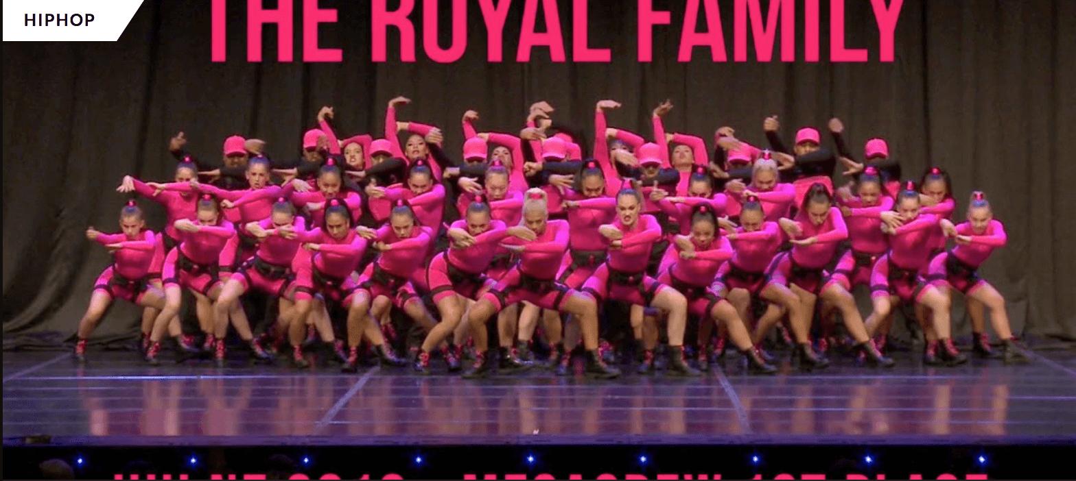 HHI NEW ZEALAND: ピンクだらけ【THE ROYAL FAMILY】のパフォーマンスの圧が凄すぎる!